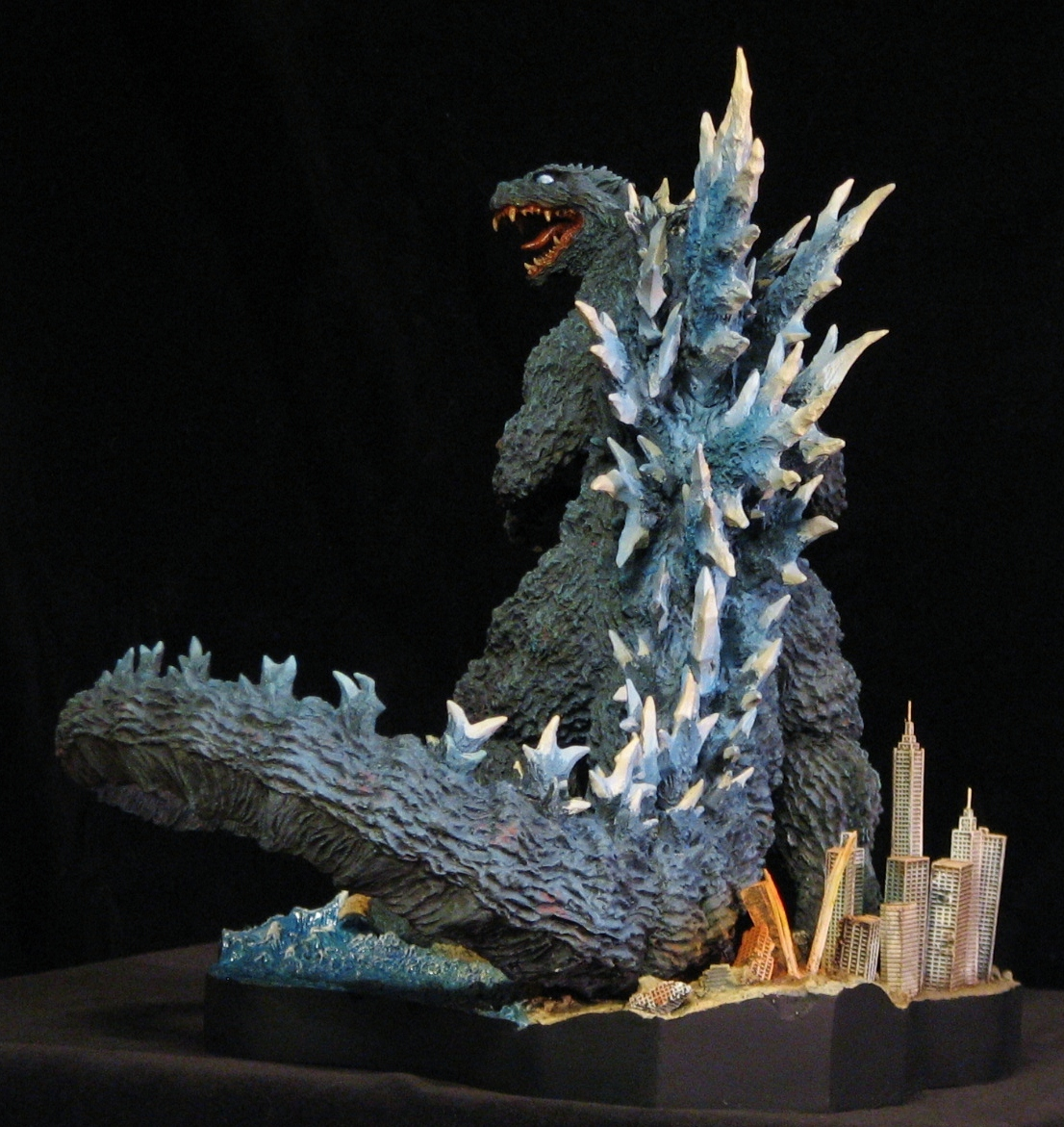 GODZILLA Final Wars 2005 Poster version by Yuji Sakai resin 26 cm